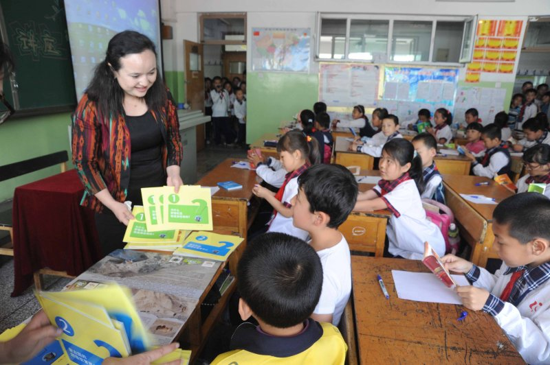 Wild camel booklets for children being used in Chinese schools 3