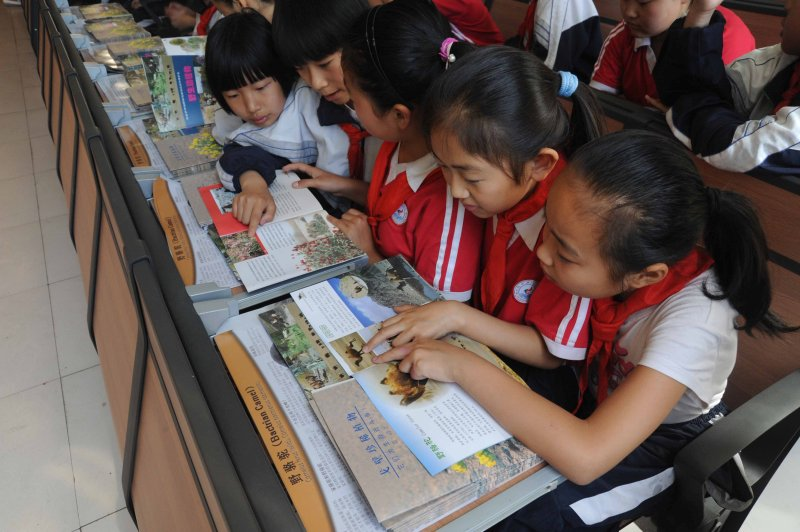 Wild camel booklets for children being used in Chinese schools