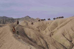Trekking durch die Wüste Lop, China